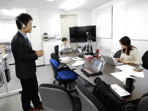 渡邊伸行先生と池田麻美氏(オンラインサポート)