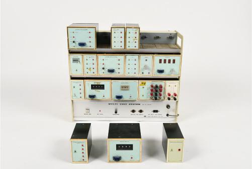 写真4 文教大学で展示されているMULTI UNIT SYSTEM(竹井機器工業製)