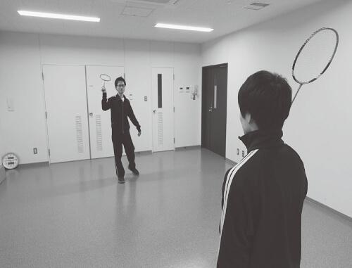 少年との運動場面(イメージ)